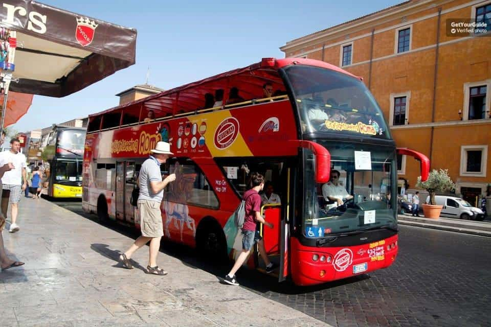 אוטובוס תיירים ברומא
