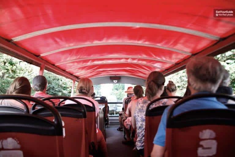 אוטובוס התיירים