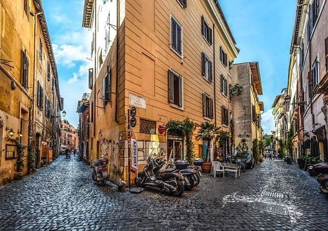 להשכיר אופנוע ברומא